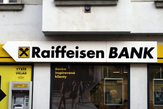 Raiffeisen bank s bankomatem